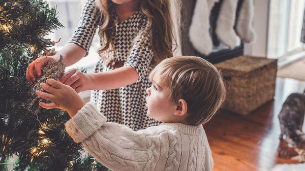 Psychologen erklären: Wer früher für Weihnachten schmückt, ist glücklicher