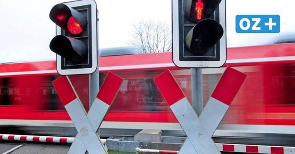 Autofahrer überqueren in Grimmen immer wieder Bahnschienen trotz nahender Züge