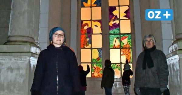 Licht in der dunklen Zeit: Das steckt hinter dem leuchtendem Krippenspiel in Putbus