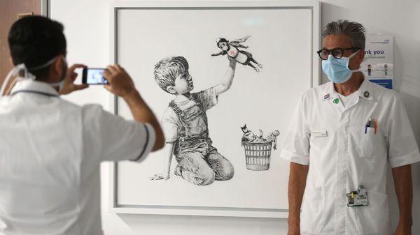 Ein Phantom in der Pandemie: So hat sich Banksy 2020 dem Coronavirus gewidmet