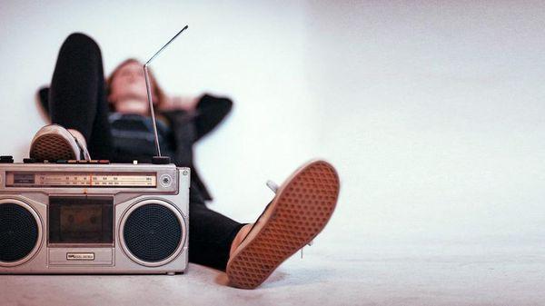 Hören Sie mal: Das Radio wird 100!