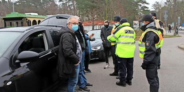 Polizei-Kontrollen an polnischer Grenze: Einige zahlen hohen Preis für billige Zigaretten