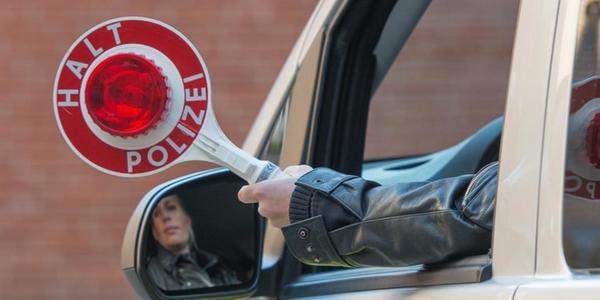 Polizeikontrolle: Mit 100 km/h über den Ostring gerast