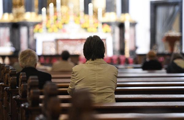 Auch in Eckernförde sagen Gemeinden Gottesdienste ab