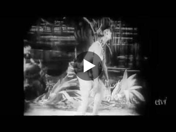 Josephine Baker's Banana Dance (1920s)