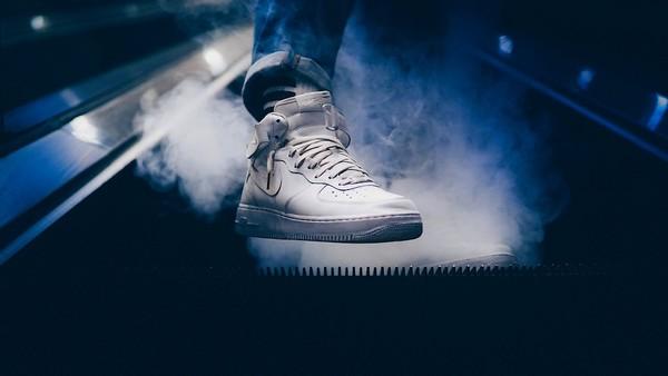 Nike toont ballen en ziet verkoop fors stijgen.