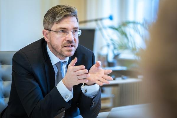 Oberbürgermeister Mike Schubert (SPD) im Gespräch mit der MAZ. Foto: Detlev Scheerbarth