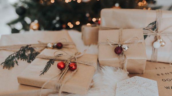 Schick und nachhaltig: So verpacken Sie Geschenke umweltfreundlich