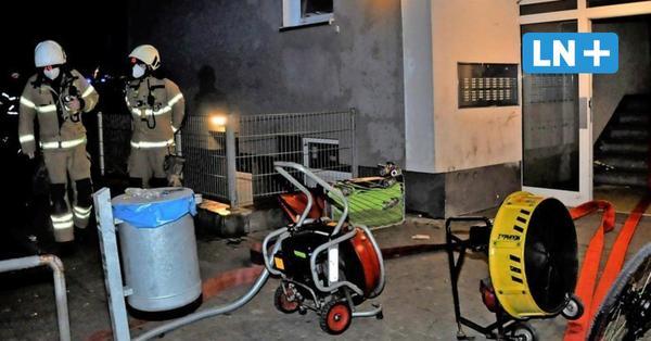 Brandstiftung im Hochhaus? Schuhschrank brannte im Treppenhaus