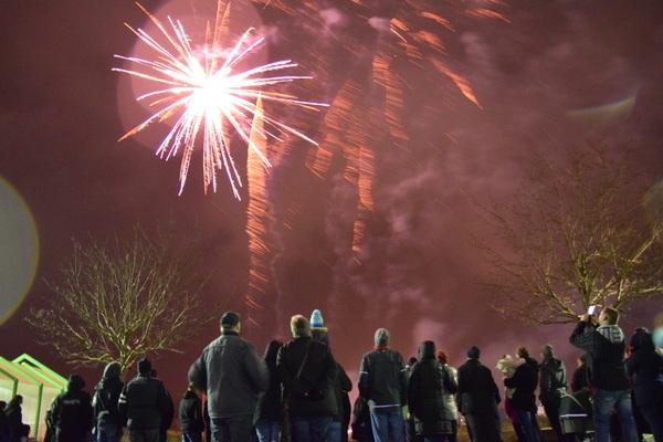 Silvester-Feiernde in Roggentin. (Foto: Johanna Hegermann)
