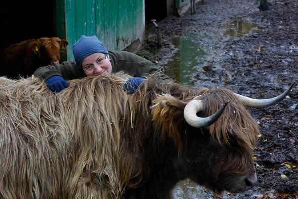 Astrid Gerdes mit ihrer Lieblingskuh