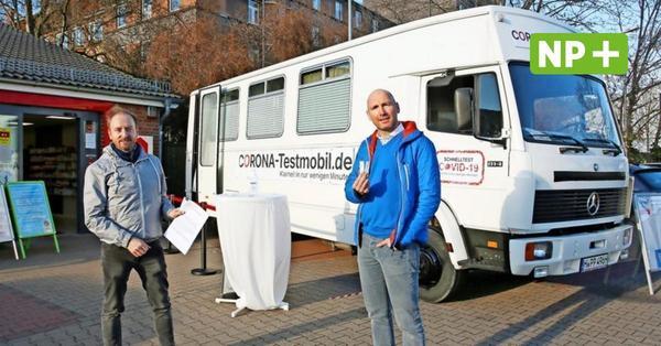Hannover: Corona-Schnelltests im Oldtimer-Bus