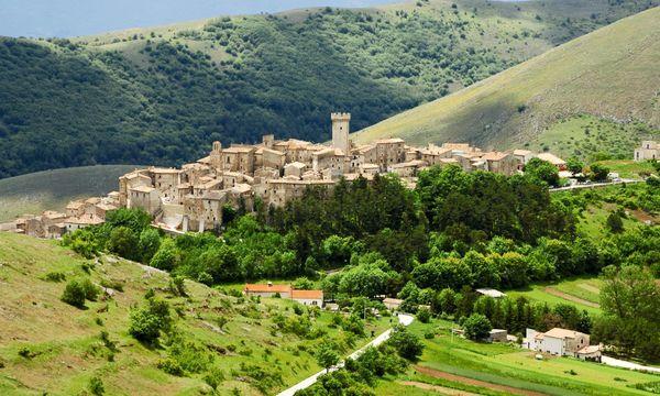 Auswandern in 2021: Dörfer in Italien verkaufen Häuser ab einem Euro