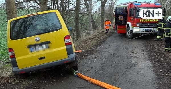 Oldenburg: Postbote wird von seinem Auto eingeklemmt