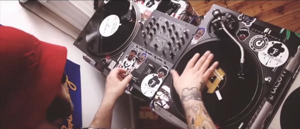 «This is how we do» - Phil Da Beat & DJ Tricky (OnePlusOne) ft. Masta Ace (eMC)