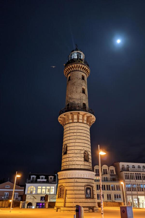 Warnemünder Leuchtturm (Foto: Arno Zill)