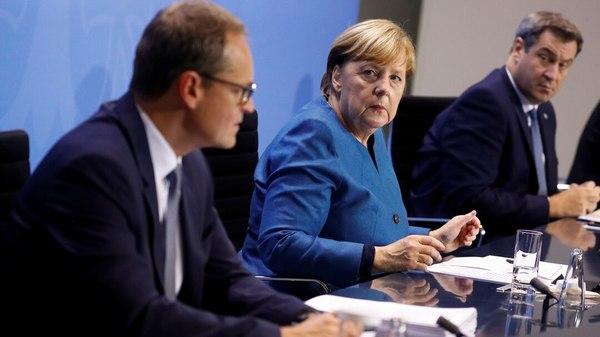 Corona: Merkel will Bewegungsfreiheit bei hoher Inzidenz einschränken