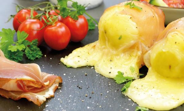 Lecker und einfach: Das Rezept für Raclette-Kartoffeln finden Sie weiter unten. Foto: dpa