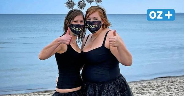 Neujahrsbaden in Boltenhagen: Diese mutigen Frauen waren im Wasser