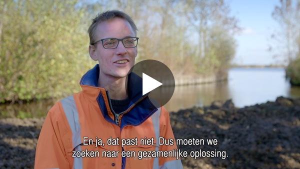 RIJPWETERING - Werkzaamheden ophoging dijk Achterdijk door Rijnland (video)