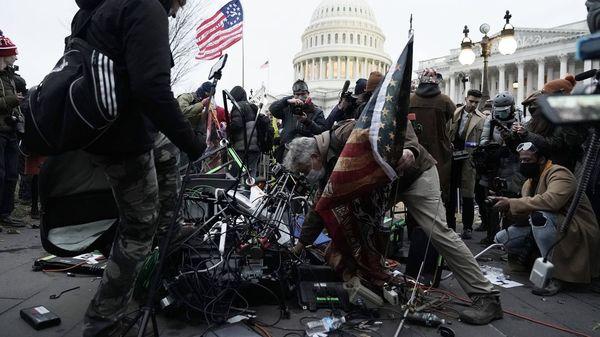 Ein Anschlag auf Amerikas Herzkammer: Trump-Fans stürmen das Kapitol in Washington