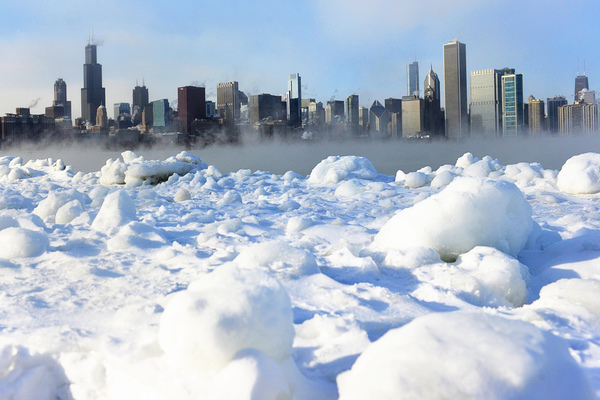 As a polar vortex moved south in the midwest, Chicago experienced record lows January 6, 2014.  | Jessica Koscielniak/Sun-Times