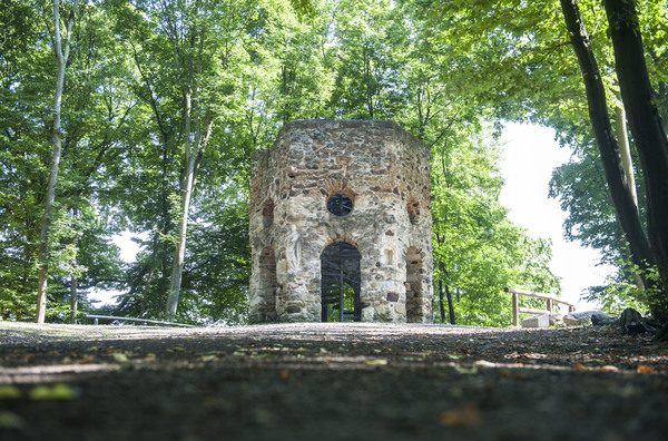 Schon als Ruine erbaut: Der Hexenturm ist ein Symbol der Vergänglichkeit. (Foto: Insa Hagemann)