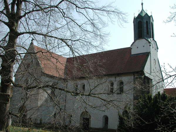 Die Klosterkirche Marienwerder ist Ausgangspunkt und Ziel des Rundgangs. (Foto: Michael Zgoll)