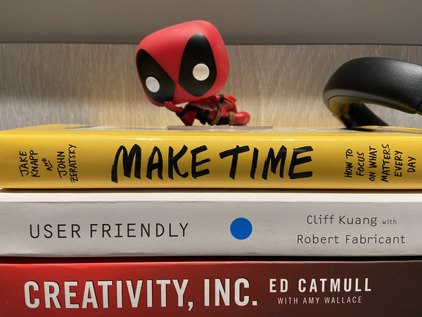 📚 What should I read next? Look at Deadpool just chillin!