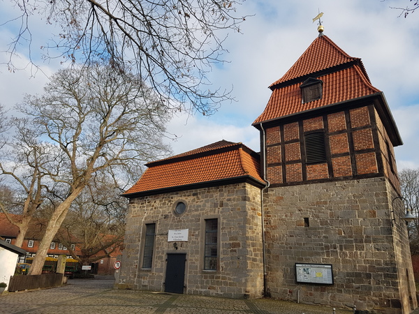 Die St.-Vitus-Kirche in Wilkenburg stammt aus dem 12. Jahrhundert. (Foto: Bernd Haase)
