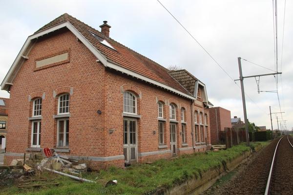 Cette ancienne gare peut être à vous pour 165 000 euros - Dit voormalige station kan voor 165.000 euro van u zijn