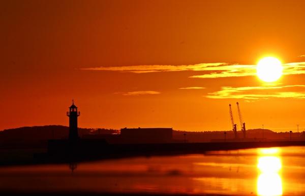 Sassnitzer Mole bei Sonnenuntergang. (Foto: Anke Hanusik)