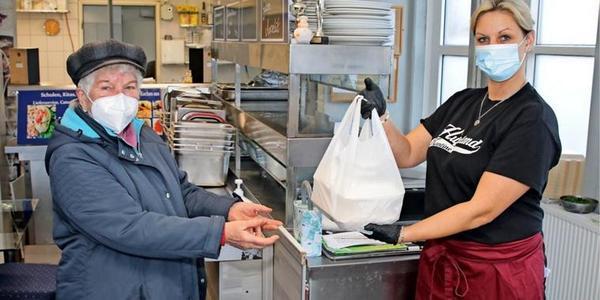 """Kantinen in Wolgast und auf Usedom: """"Wir lassen die Kinder nicht im Stich"""""""