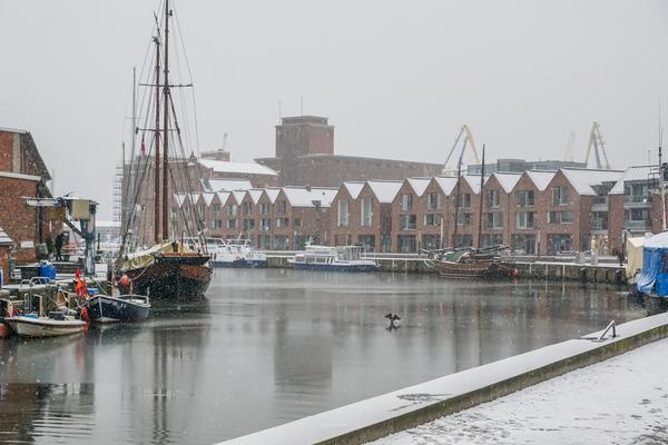 Der Wismarer Hafen im Winterkleid. (Foto: Nicole Hollatz)