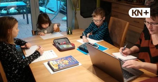 Die Kaltenkirchener Bauamtsleiterin macht Homeoffice mit vier Kindern
