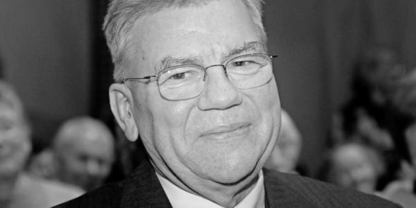 Günter Schalinski bei seiner Verabschiedung in den Ruhestand 2003. Quelle: Joachim Liebe