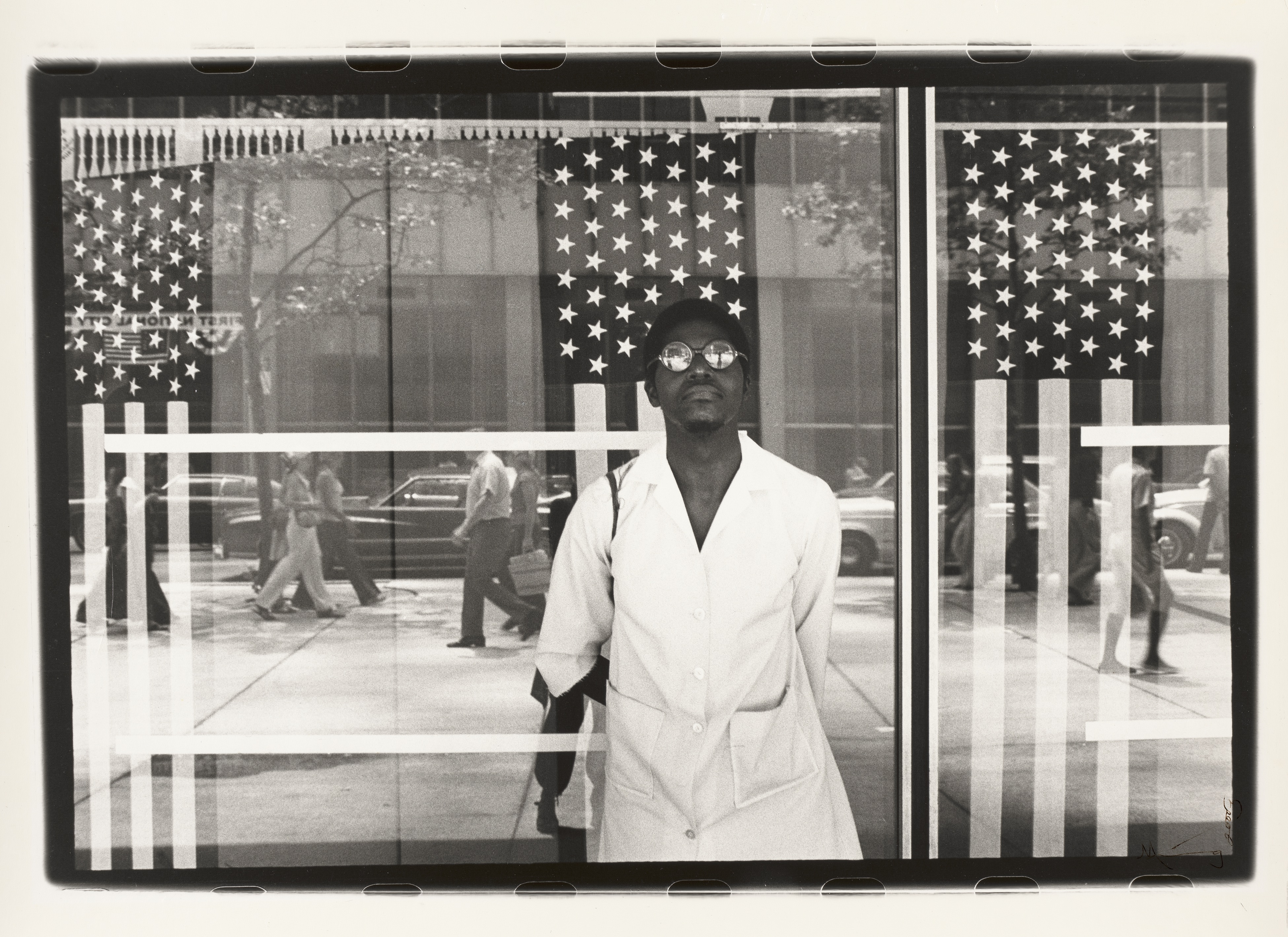 """Ming Smith, """"America seen through Stars and Stripes, New York City, New York"""" (image courtesy Virginia Museum of Fine Arts; © Ming Smith)"""