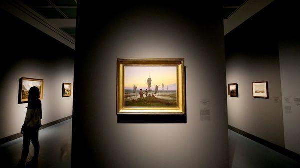 Wolkenpapst und Aerobic: Museen und Theater mit kreativen Ideen im Internet
