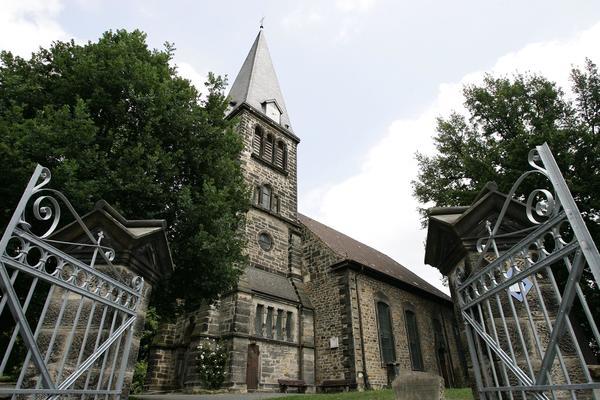 Die Nikolaikirche in Limmer markiert den nördlichsten Punkt der Runde. (Foto: Christian Behrens)