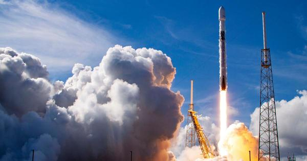 SpaceX's record-setting satellite launch boosts space tug biz
