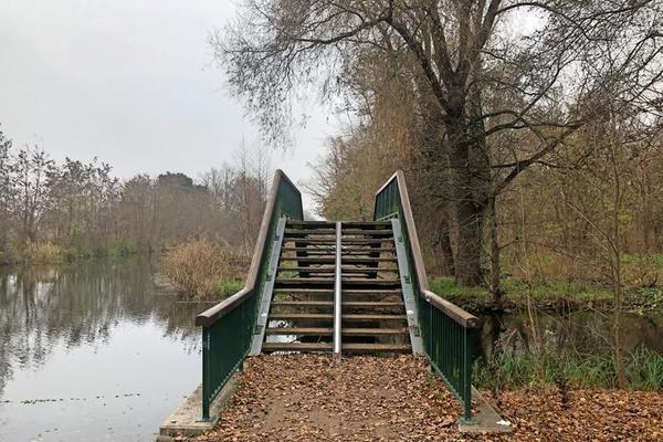 Eine der wenigen Brücken, die man während des Laufens kreuzt und überqueren muss.
