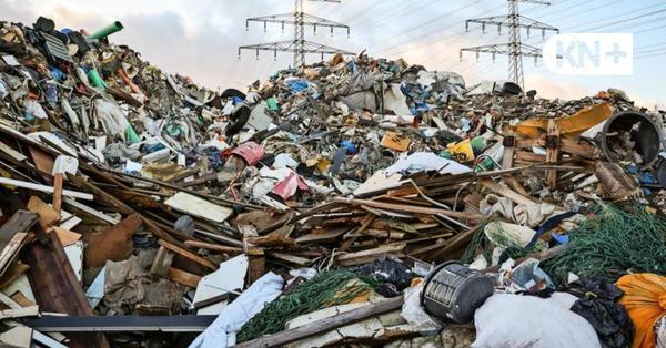 Illegaler Müllberg in Norderstedt - und niemand räumt ihn weg