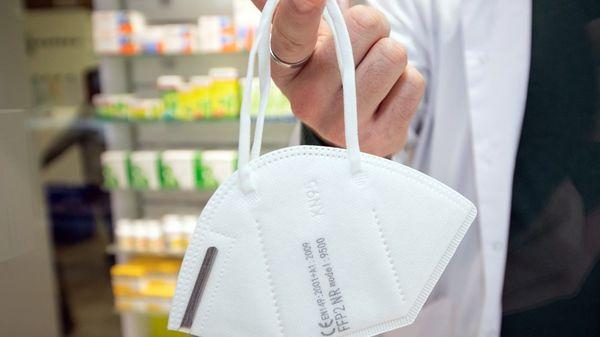 Wie Apotheker mit Spahns Gratis-FFP2-Masken Kasse machen