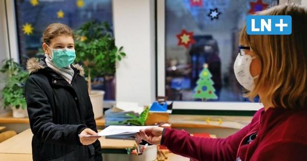 Zeugnisausgabe in Corona-Zeiten: Stormarner Schulen lassen sich einiges einfallen