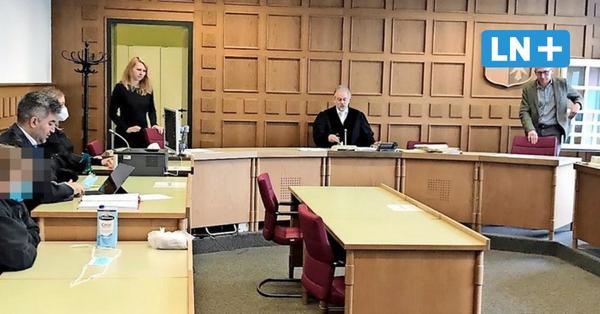 Prozess Ahrensburg: Reisebüro-Chefin muss zweieinhalb Jahre in Haft