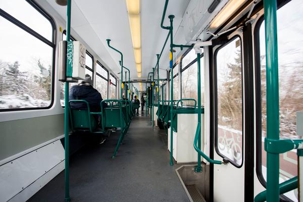 Die Straßenbahnen in Potsdam sind durch den Lockdown äußerst leer. Foto: Julius Frick