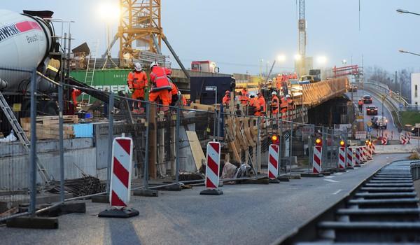 Die Baustelle an der Nuthestraße L40 ist eine Großbaustelle in Potsdam. Foto: Bernd Gartenschläger