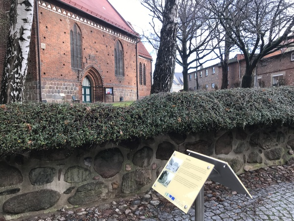 16 Info-Tafeln stehen in Neubukow  (Foto: Thomas Hoppe)