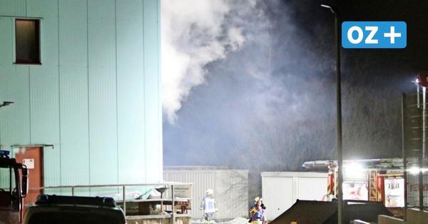 Feuerwehr-Großaufgebot am Wolgaster Fuchsberg: Brand in bekannter Metallbaufirma