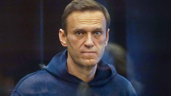 Kremlkritiker Nawalny in Moskau zu dreieinhalb Jahren Haft verurteilt